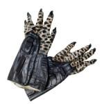 predator adult hands 150x150 Brand New Predators Halloween Costumes For 2012